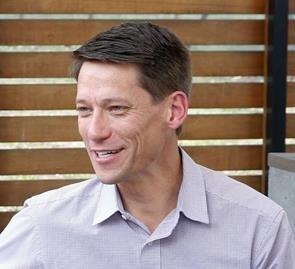Peter Everett